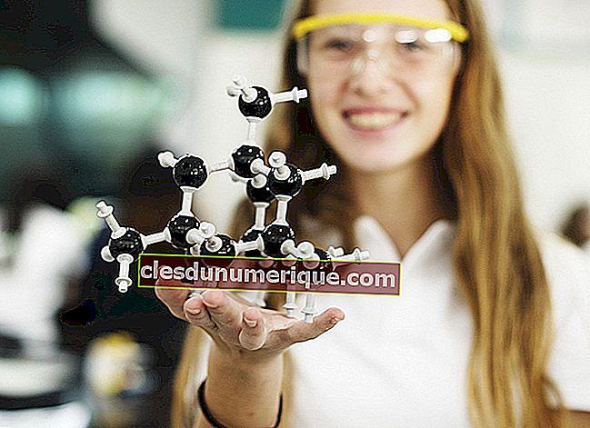 Se familiariser avec les trois particules de base de l'atome